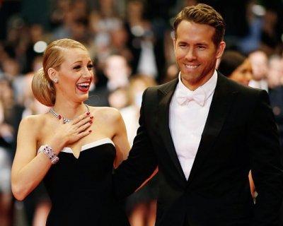 Ryan Reynolds confessa: «Ho provato ad allattare mia figlia»