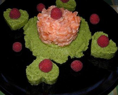 Tartare di salmone con crema di broccoli e lamponi, un'idea per San Valentino