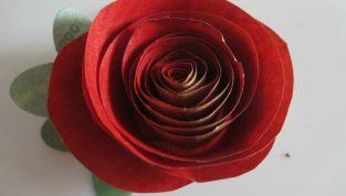 Rosa di carta per San Valentino