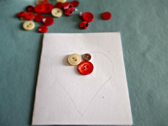 Biglietto di san valentino fai da te con bottoni - Decorazioni san valentino fai da te ...