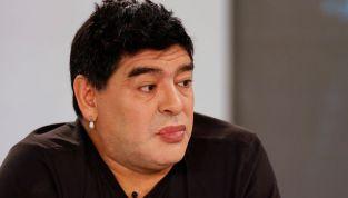 Maradona cede al ritocchino