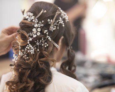 Acconciature sposa con capelli lunghi