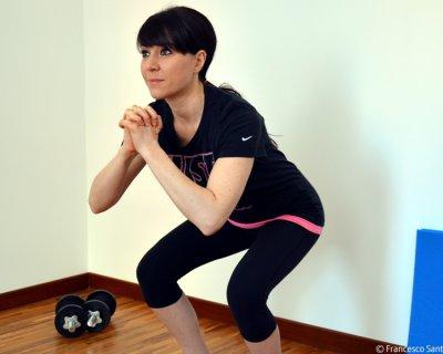 Squat: brucia i grassi, potenzia le gambe e rassoda i glutei