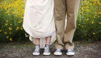 La sposa in scarpe da ginnastica è di tendenza per la primavera 2015