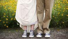 Sposa in scarpe da ginnastica: tutti i consigli per un look perfetto