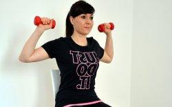 Esercizi per le spalle per renderle più toniche e belle
