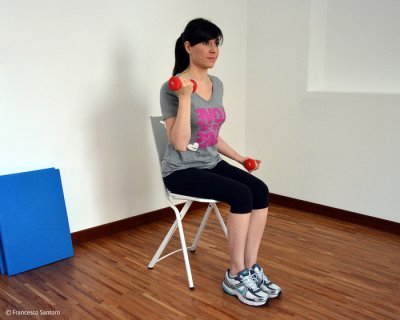 Esercizi per bicipiti per braccia toniche e forti