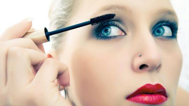 Mascara: per applicarlo bene evita questi 5 errori!
