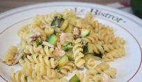 Pasta zucchine e tonno, un profumato piatto di pasta