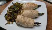 Involtini di pollo con asparagi, leggeri e gustosi