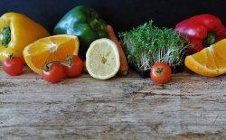 Alimenti drenanti per sconfiggere la pelle a buccia d'arancia
