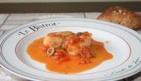 Nasello alla siciliana, un gustoso piatto di pesce pronto in pochi minuti