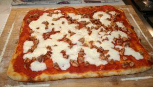 Pizza con pasta madre, come in pizzeria