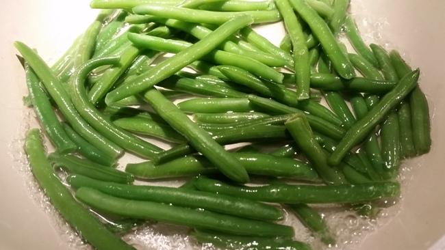 Ricetta dei fagiolini in padella con semi di sesamo - Cucinare i fagiolini ...