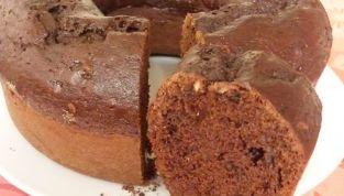 Ciambella al cacao e nocciole col fornetto Versilia