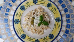 Pasta fredda ricotta e olive