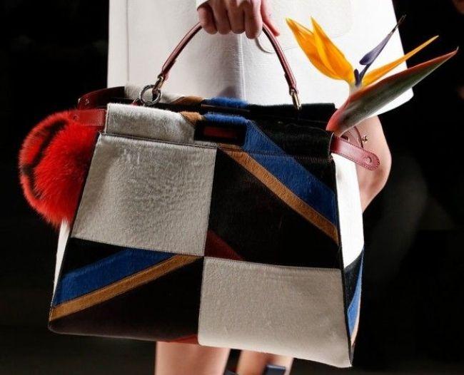 3e805eaa0d FORME – Evviva le maxi borse, shopping bag, tote o hobo bags, per avere  sempre con sé tutto il necessario da mattina a sera! Questa stagione a  venire ...
