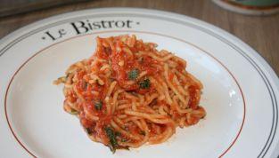 Spaghetti alla chitarra con tonno, un saporito piatto della cucina italiana