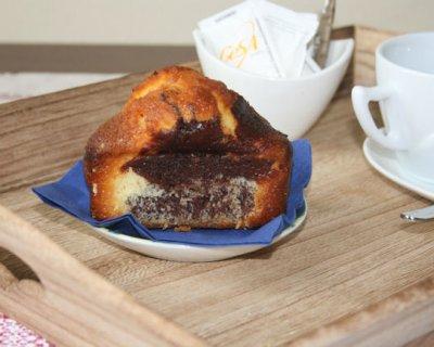 Mini plumcake bianchi e neri, la merenda ideale per i bambini