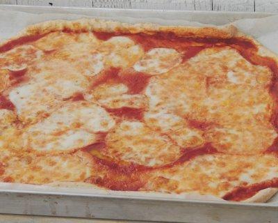Pizza senza lievito col Bimby, lievitata con lo yogurt