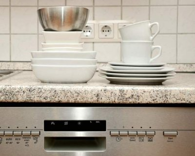 Cose da non lavare in lavastoviglie, facciamo attenzione!
