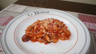Gnocchetti sardi con salsiccia, un tipico piatto sardo