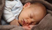 Difendere il bebè dal freddo, ecco come