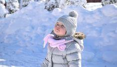 I bambini dovrebbero stare all'aperto anche in inverno: ecco perché!