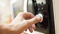 Cose da non mettere nel forno a microonde