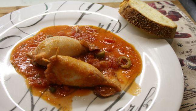 Calamari ripieni in umido alla siciliana, per portare il mare in tavola