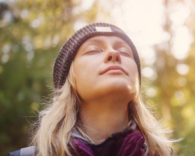 Nadi shodhana, la respirazione a narici alternate contro ansia e stress