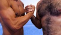 Le donne italiane preferiscono gli uomini depilati