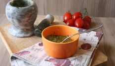 Pesto al basilico con mandorle, un sugo per l'estate