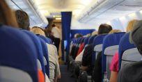 Viaggio in aereo: le cose più sporche e i passeggeri più maleducati