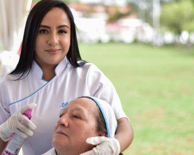 Layering: la pulizia del viso orientale per una pelle da sogno