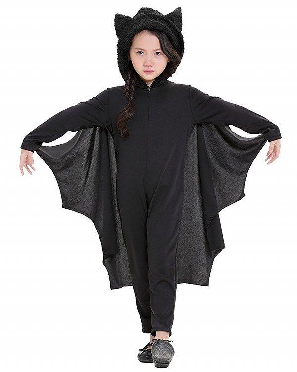 Un altro costume di Halloween per bambine è quello da diavoletta   realizzato con tessuto nero e rosso e tulle degli stessi colori applicato  sulla gonna. 8fb3ccfd816e