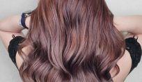 Chocolate mauve è la nuova tendenza colore capelli