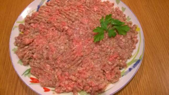 Tartare di carne, versione semplice e leggera
