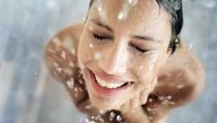 Unwashed, la moda di non lavarsi per ridurre lo spreco d'acqua