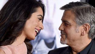Prima vacanza per i gemelli Clooney: mamma e papà scelgono l'Italia