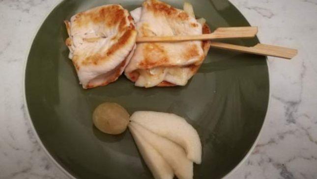 Petti di pollo pere e formaggio, accostamento innovativo