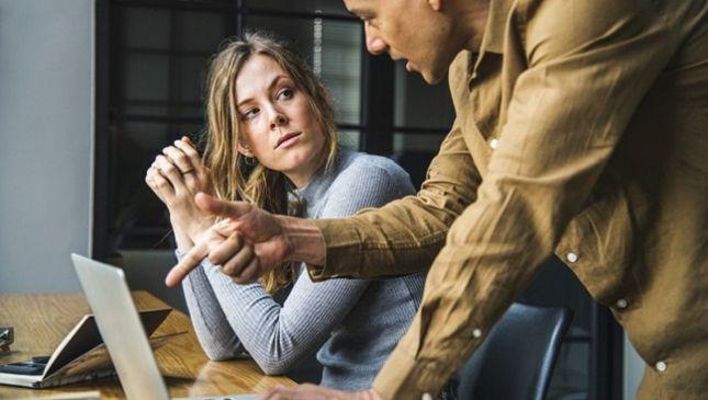 Collega ansioso: 4 consigli per riconoscerlo e non farsi coinvolgere