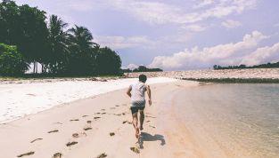 Lui: 7 cose da evitare in spiaggia