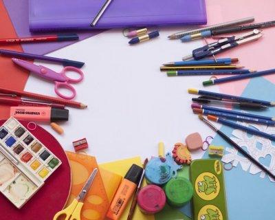 Kit per il rientro alla scuola elementare: come risparmiare acquistando online