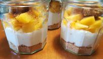 Cheesecake alle pesche e amaretti senza zucchero