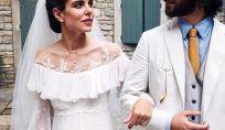 Charlotte Casiraghi veste un abito boho chic firmato Gianbattista Valli per le sue nozze religiose