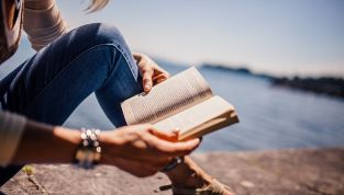 Estate 2019: i 10 libri da leggere in vacanza