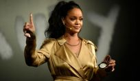 L'artista più ricca è la cantante pop Rihanna