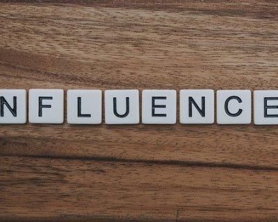 """Gli influencer? """"Pubblicitari"""" sempre sotto i riflettori"""