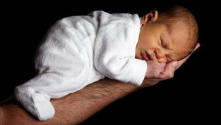 Come cambia la vita di coppia con l'arrivo di un bebè